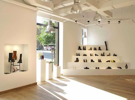 1f0131d2a63 ... continuación: la primera tienda propia de Miista Shoes en Barcelona. Un  nuevo espacio de calzado para la mujer que nos acerca esta marca fundada en  2010 ...
