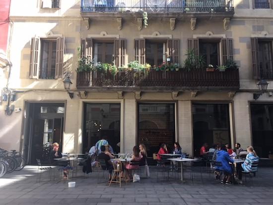 Federal Café Gótico Un Oasis Para El Brunch Con Una Gran