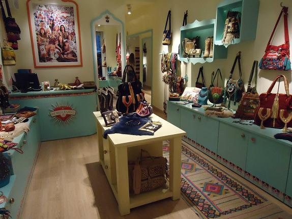 Tiendas De Decoracion En Madrid ~   de Ibiza? Pues una tienda de bolsos mon?simos, y de botas, cinturones