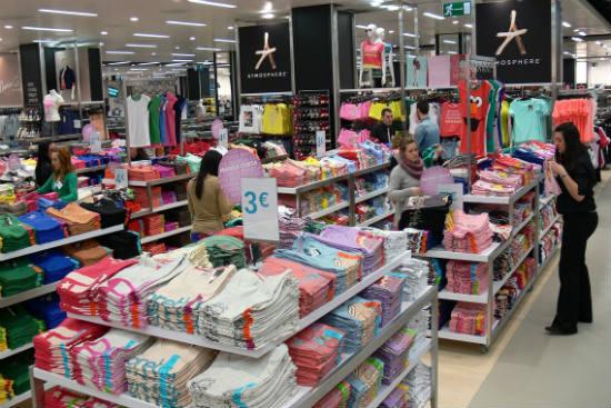9aec3b10b3e2 Las cinco tiendas de moda más baratas de Valencia (y no es de ...